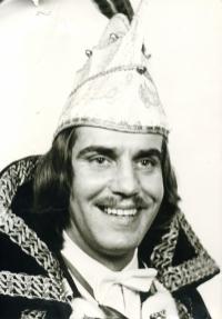 1973-1974 Jan Kuppens Z.D.H. Prins Franz-Jozef d'n Urste Houw de ploeg rêgt